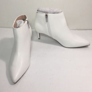 White bootie size 8 1/2